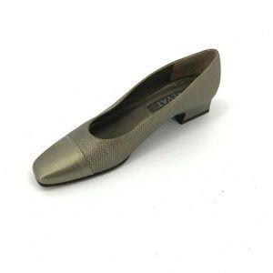Prevata Cap Toe Square Toe Low Block Heels Sz 8AA